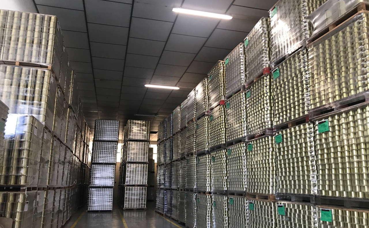 Cambio de luminarias de la empresa subvencionado por la ADER y el Fondo Europeo de Desarrollo Regional